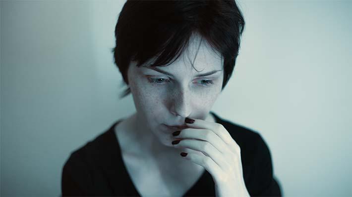 Mujer con el síndrome del burnout