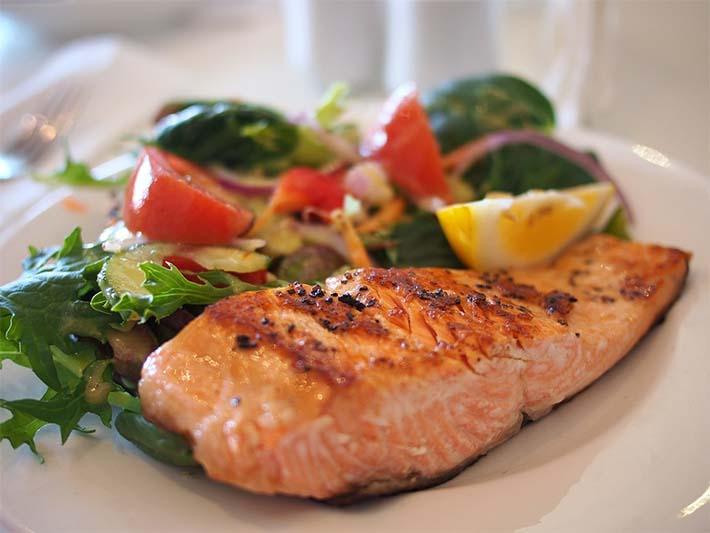 Salmón, alimento con ácidos Omega 3