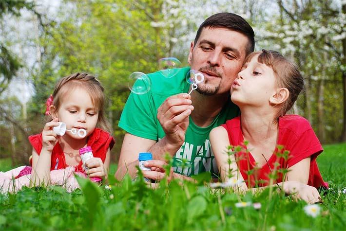 familia disfrutando del verano